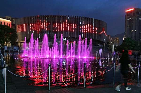 2021.5.1南川区南商广场音乐喷泉36.jpg