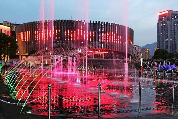 2021.5.1南川区南商广场音乐喷泉70.jpg